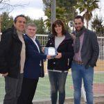 El Ayuntamiento de Calasparra entrega 7 desfibriladores a los centros educativos, Policía Local y Protección Civil