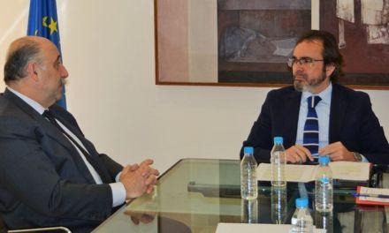 La Comunidad y el Colegio de Abogados de Murcia acuerdan ampliar el servicio de atención jurídica a reclusos de Campos del Río