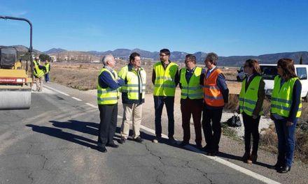 Fomento realiza obras de conservación de 30 carreteras que discurren por Caravaca de la Cruz, Moratalla, Calasparra y Cehegín