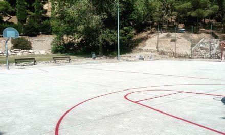 El Ayuntamiento de Caravaca realiza obras de mejora en colegios y jardines a través del programa de rehabilitación psicosocial