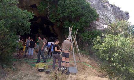 Un equipo formado por 15 expertos participa en la XIX Campaña de Excavación de la Cueva Negra
