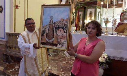 Se presentó en Mula la portada del libro de los actos de la Virgen del Carmen, obra de Carmen Sánchez
