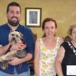 El Ayuntamiento  de Calasparra entrega a Dogs Rescue la recaudación de la fiesta de la escuela de verano de Calascole