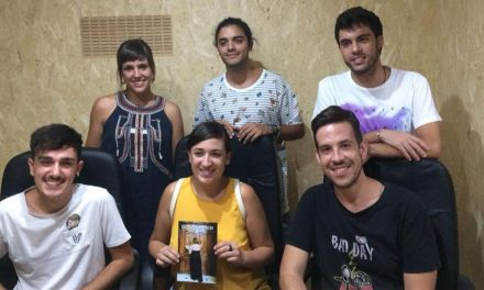 Almagra Teatro es 'Extraño anuncio'