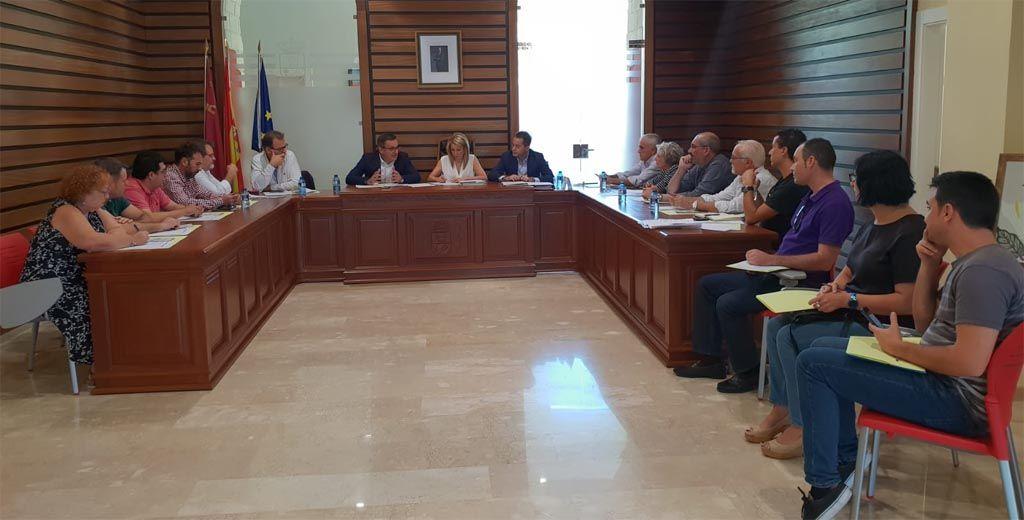 """Diego Conesa: """"Es necesaria una estrategia global para frenar el despoblamiento y envejecimiento de los pequeños municipios de la Región"""""""