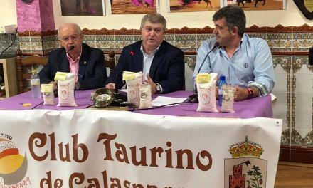 José Vélez: «Ha sido una gran feria y el año próximo tiene que ser la mejor de la historia»