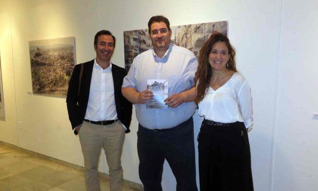 La artista murciana Luz Bañón expone 'La memoria indeleble' en la Casa de la Cultura de Caravaca