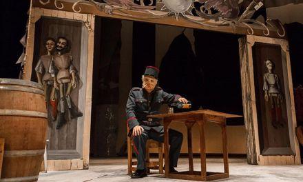 El esperpento de Valle-Inclán 'Los cuernos de Don Friolera' se representa en el teatro Thuillier de Caravaca