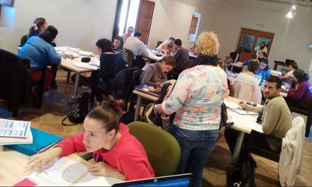 Los estudiantes de Mula reclaman una sala de estudio abierta 24 horas