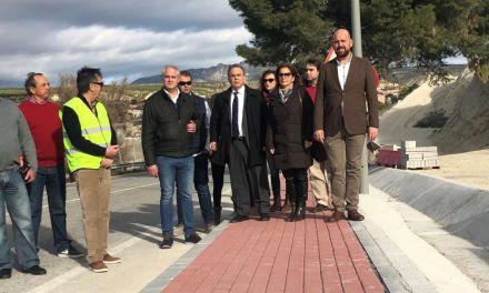La Comunidad aumenta la seguridad de los vecinos de Albudeite con la construcción de un paseo peatonal en la vía que enlaza con el cementerio
