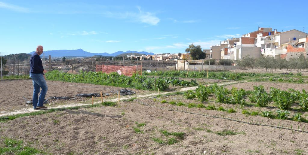 16 vecinos se benefician ya de los Huertos Urbanos y el Banco de Tierras