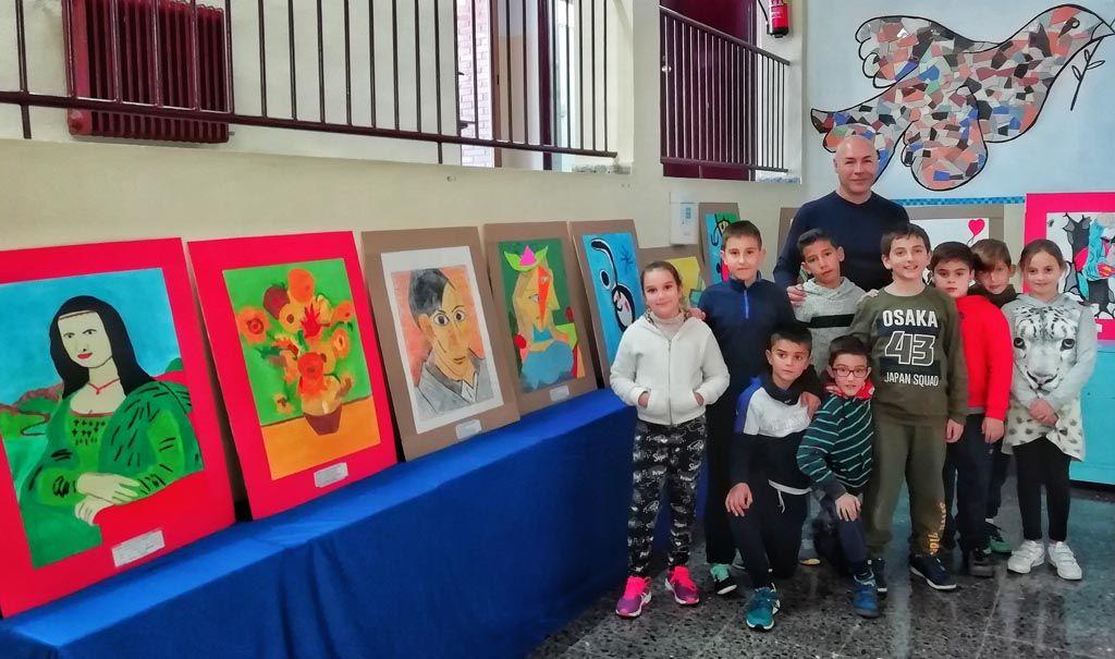 Los alumnos de tercer y cuarto curso de primaria del C.E.I.P La Tercia de Benizar, exponen un proyecto de pintura que abarca desde el Renacimiento hasta el graffiti