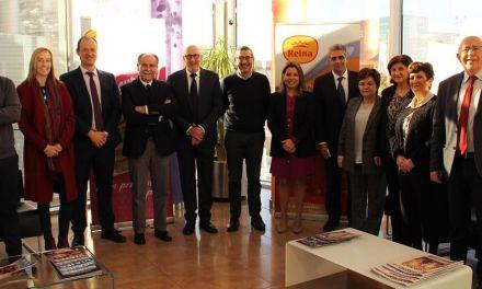 Postres Reina recibe la visita del Rector de la Universidad de Murcia