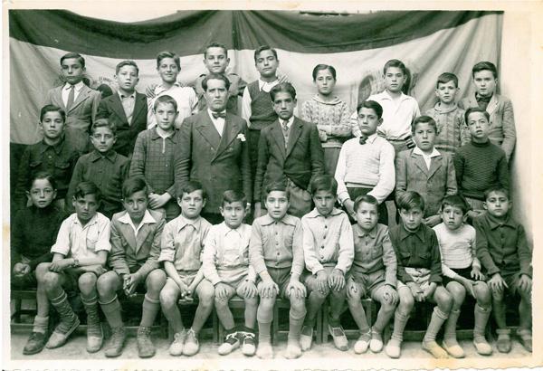 Basilio Sáez con sus alumnos