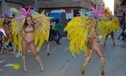 Explosión de colorido en el Carnaval muleño