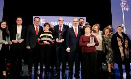 Los Premios Rosa reconocen a Cáritas, la empresa Postres Reina, José Luis Lag, a título póstumo, y Juan Carlos Castillo