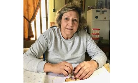 """""""Cuando ves tu trabajo expuesto, con esas luces, y tanta gente disfrutando de lo realizado, la verdad, es muy especial"""",  Josefa García Álvarez, bordadora"""