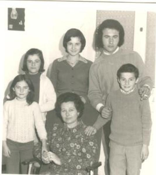 Su familia