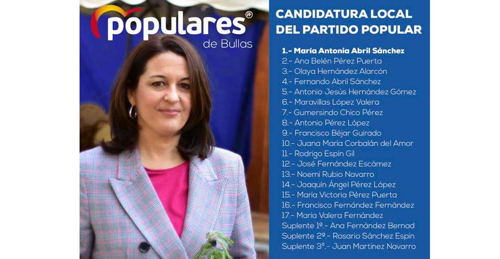 La candidata popular a la Alcaldía de Bullas, María Antonia Abril, presenta la lista que la acompaña en las elecciones de mayo