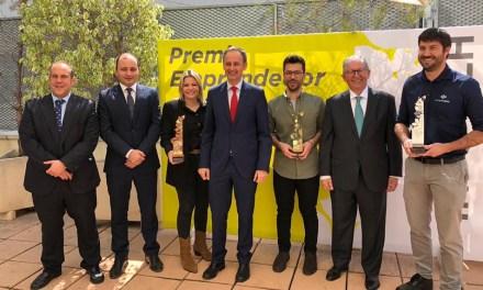 Diego Amores, del Vivero de Empresas de El Coso, premio 'Emprendedor del Año Info-CLH' con Entomo Agroindustrial