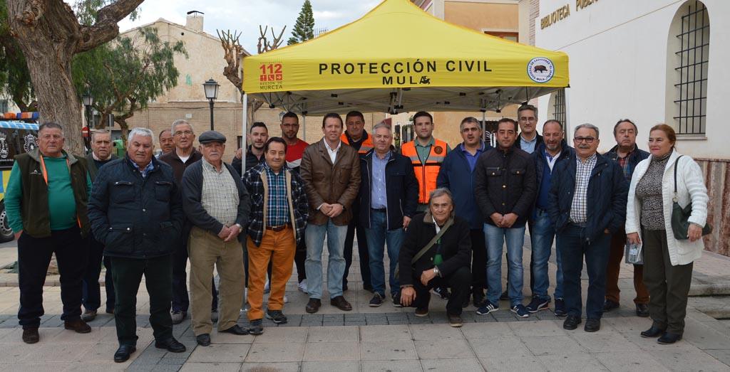 La Sociedad de Cazadores El Jabalí dona dos carpas a Protección Civil
