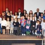 Más de cuarenta niños premiados por Los Almorávides en sus concursos sobre las Fiestas de la Cruz