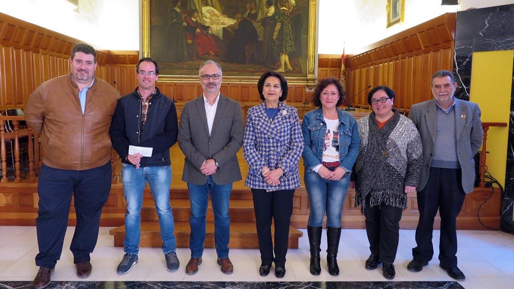 El Ayuntamiento de Caravaca entrega las subvenciones a Comisión de Festejos y a los tres bandos