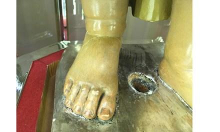 Daños en la estructura de la talla del Niño obligan a su restauración