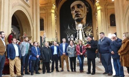 La Semana Santa de Caravaca de la Cruz exhibe su patrimonio en la Compañía de Jesús