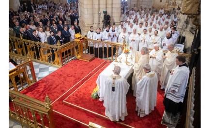 El presidente López Miras asiste al acto de ordenación episcopal del obispo auxiliar de la Diócesis de Cartagena