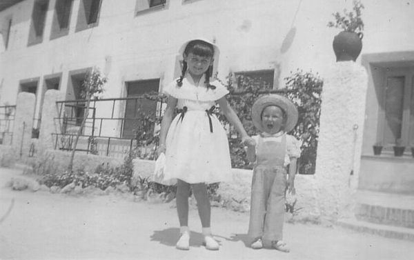 Mari Cruz y Carlos en las Casas Baratas