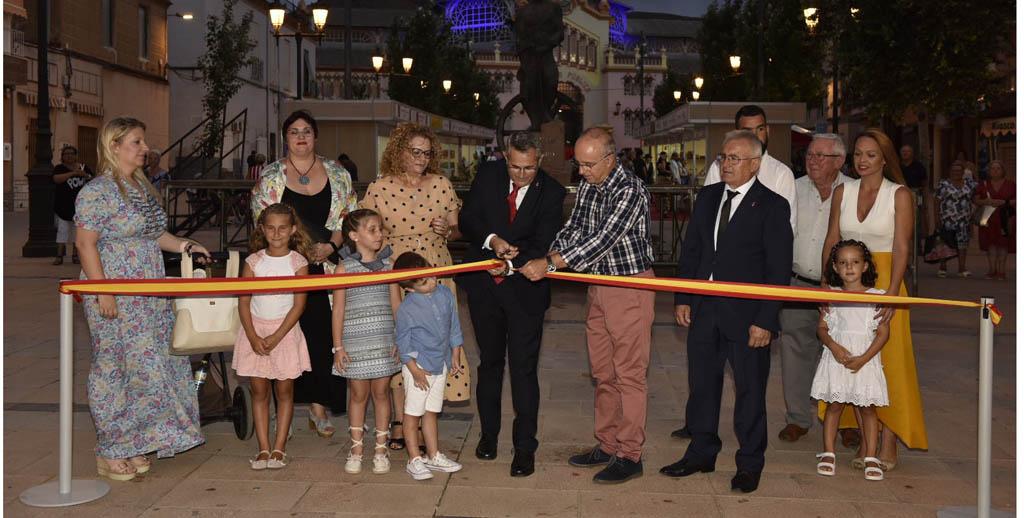 Mar Hernández rescata en la exposición 'Memorias de La Unión' lugares emblemáticos del municipio ligados a su propia biografía