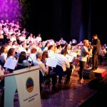 La pasión por el Rock and roll inunda la Sala Camelot en el concierto del Coro 'Ciudad de Cehegín' y la Sociedad Musical