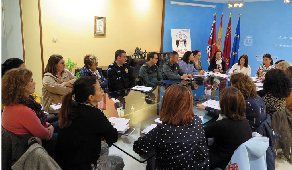 El Ayuntamiento de Caravaca reúne a la Mesa Local contra la Violencia de Género y a la Mesa de Coordinación Policial