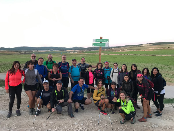 Participantes en la ruta de los Vélez