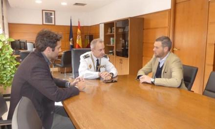El alcalde de Caravaca se reúne con el jefe superior de la Policía Nacional de la Región para estudiar vías de colaboración con las fuerzas y cuerpos de seguridad del municipio