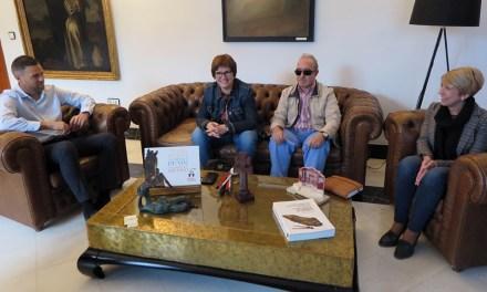 El alcalde de Caravaca se reúne con la Asociación de Personas Sordociegas de la Región de Murcia para colaborar con los vecinos con esta discapacidad