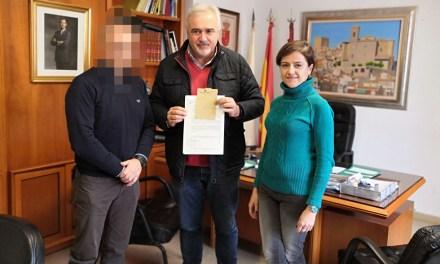 Entregado un documento de la Guerra Civil al Archivo Municipal de Moratalla