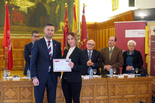 El rector de la Universidad de Murcia ha presidido este acto académico, en el que se han concedido 30.000 euros en ayudas para proyectos del área de Ciencias de la Salud