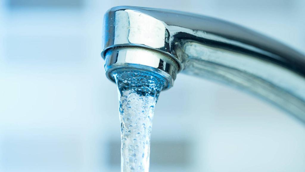Agua bendita del grifo