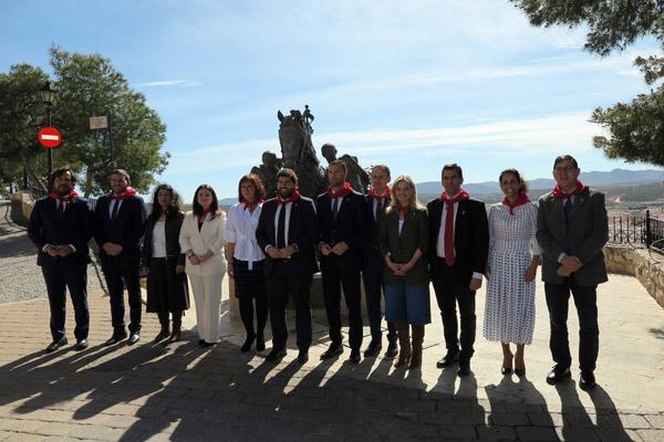 Durante el Consejo de Gobierno se han tomado acuerdos referentes al corredor de interior Levante-Andalucía, a los incentivos fiscales para el Camino de la Cruz, así como inversiones relacionadas con el centro de salud, el parque de bomberos, el casco histórico y caminos rurales