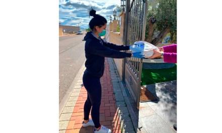 El Ayuntamiento de Caravaca acerca material escolar a las casas de 425 estudiantes del casco urbano y pedanías