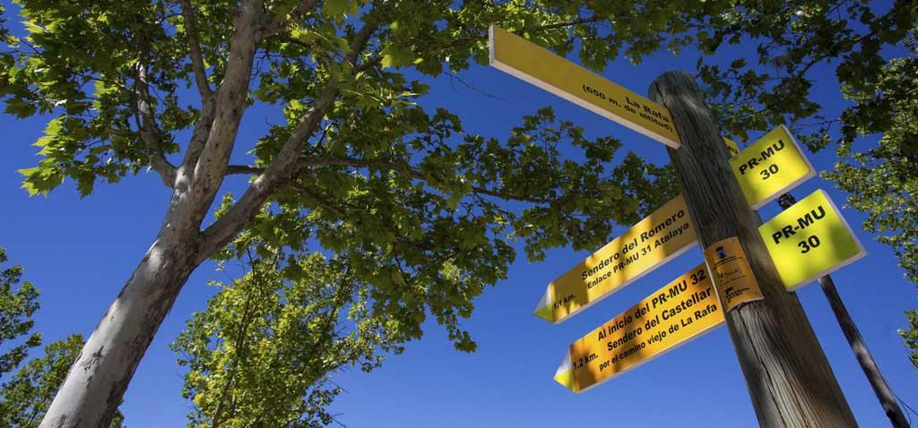 El Ayuntamiento trabaja en el mantenimiento de la Red de Senderos de Bullas