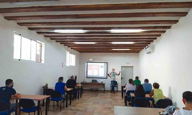 Pliego imparte un curso sobre Patrimonio cultural y ambiental, aprovechamiento turístico