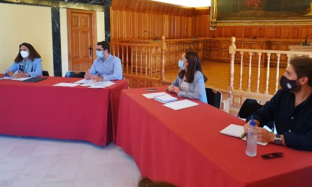 Caravaca pone en marcha el proyecto para incorporar al municipio a la Red de Destinos Turísticos Inteligentes con una reunión de trabajo de las concejalías y responsables de áreas municipales