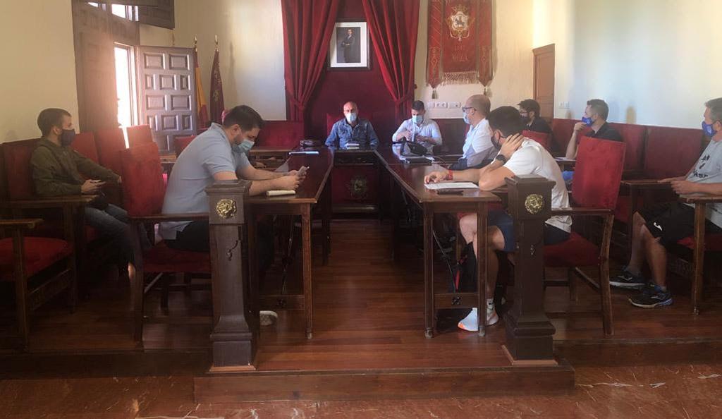 La concejalía de Deportes de Mula y clubes deportivos establecen las pautas para el inicio de los entrenamientos y competiciones