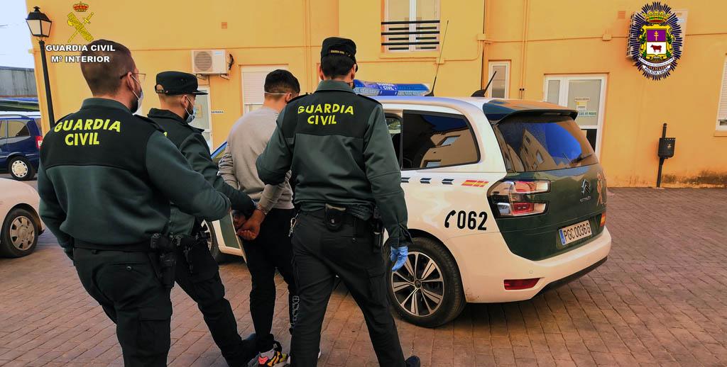 Una operación conjunta de la Policía Local de Caravaca y la Guardia Civil se salda con la detención de un experimentado delincuente como presunto autor de ocho robos en comercios