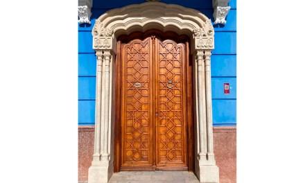 Restauración y rehabilitación de la puerta de la Casa de Cultura de Bullas
