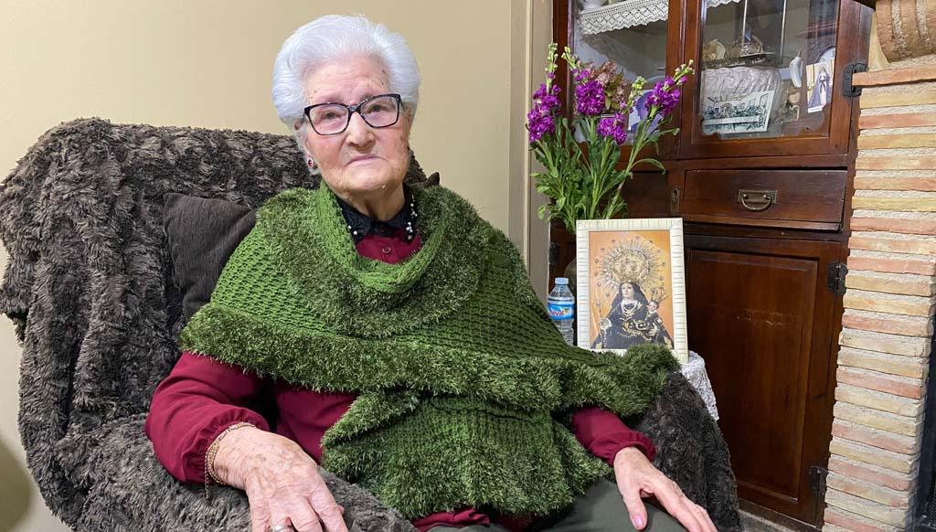 """Ginesa Vicente, abuela centenaria Albudeite: """"En cuanto esto acabe volverán a llevarme a misa y podremos ir a la playa"""""""