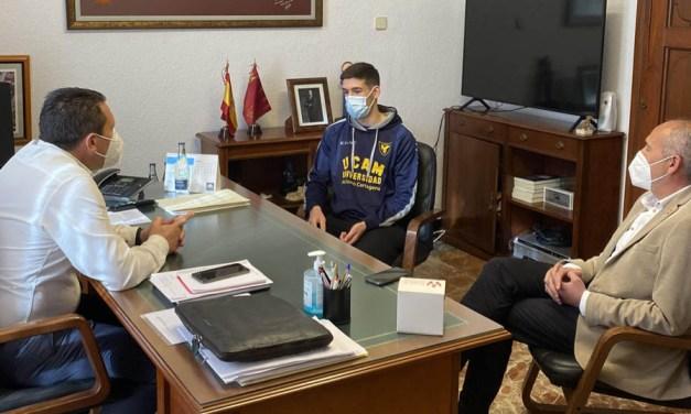 Recibido en el Ayuntamiento el atleta muleño José Carlos Soriano, bronce en el Campeonato de España sub-20 en Pista Cubierta